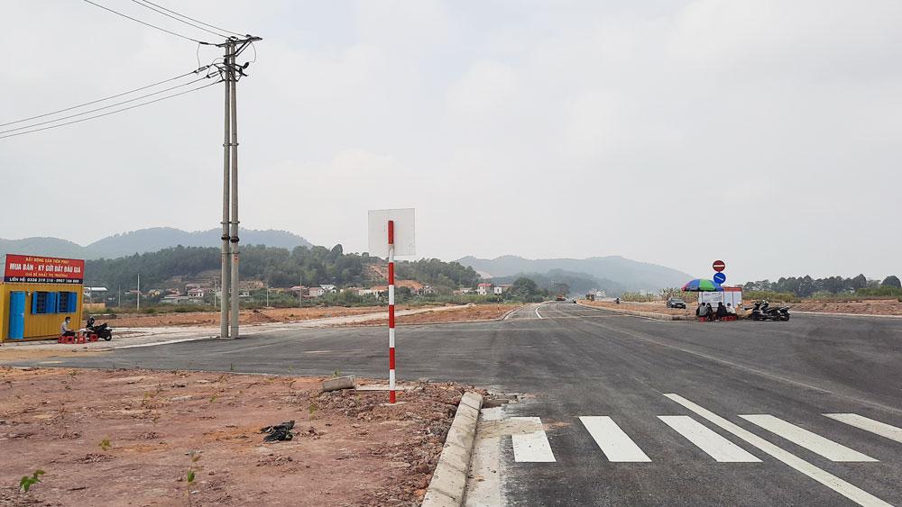 """Khu vực xã Nội Hoàng (Yên Dũng) được xem là """"nóng"""" nhất về giao dịch, mua bán đất hiện nay. Ảnh: Quốc Phương"""
