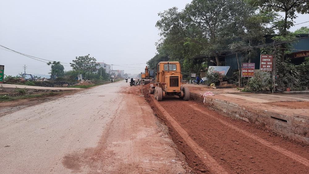 Do vướng mặt bằng nên dự án nâng cấp, cải tạo đường tỉnh 292 có nguy cơ chậm tiến độ.